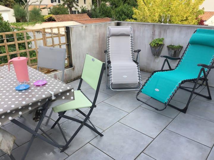 Appartement avec terrasse ensoleillée