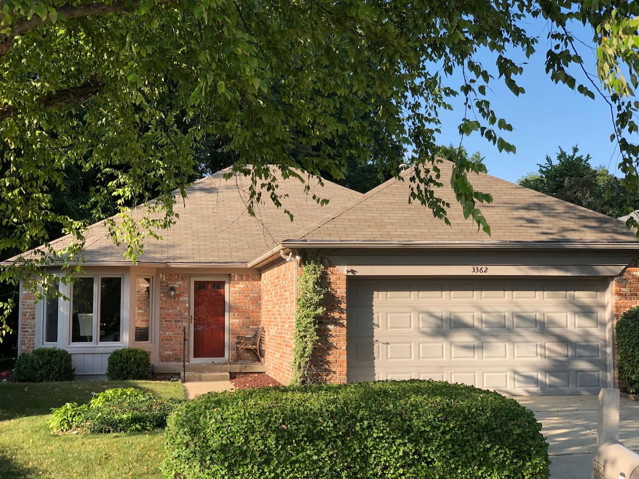 Great Totally Renovated 3 bed/2 bath ranch!