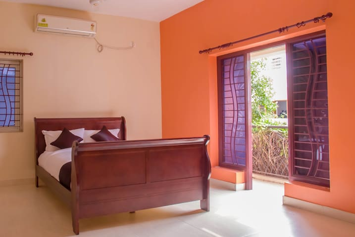 Private Room in Guindy , Chennai - GUIHH1