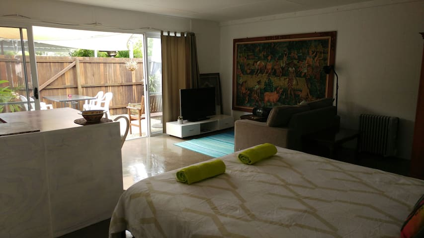 Pet friendly private studio  Noosa - Marcus Beach - Apartment