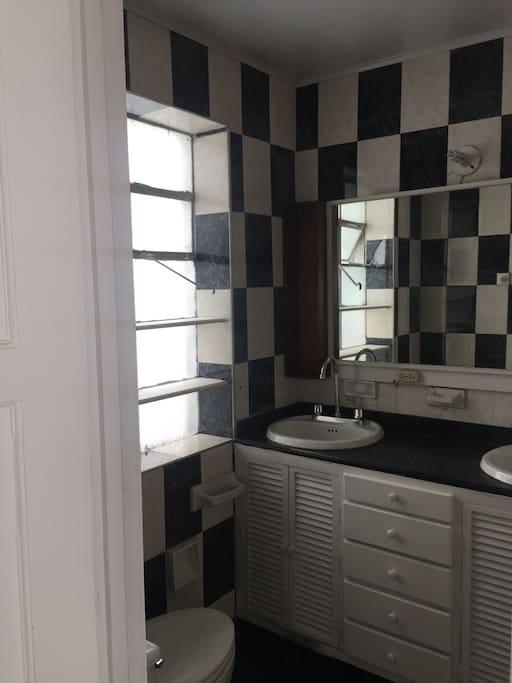 Baño 1.main bathroom