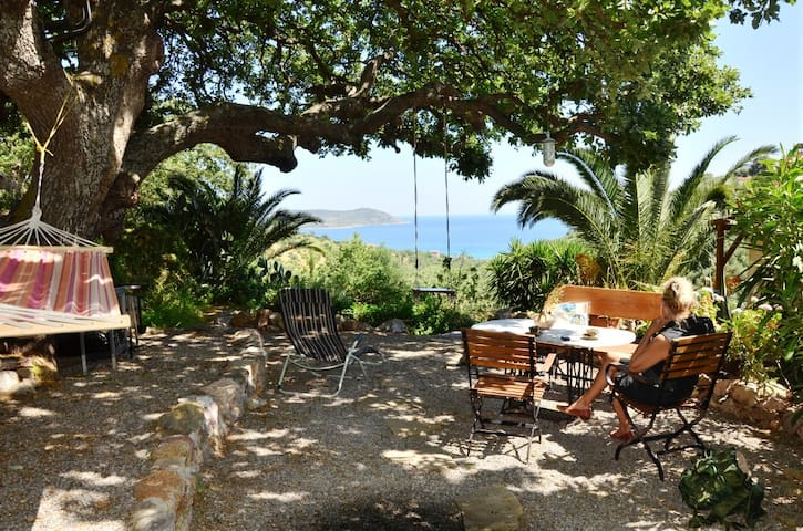 Stone Cottage under oak tree, by feet to the beach - Skoutari - Dom