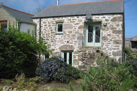 Secluded, barn conversion cottage - Sancreed