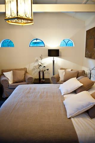Luxury Room with jacuzzi and sauna