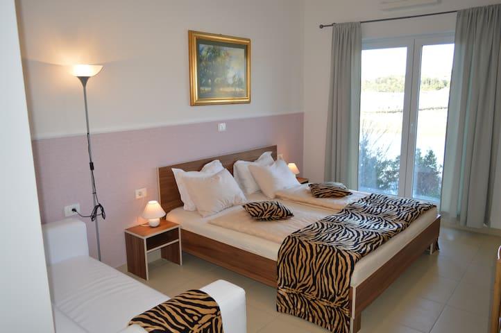 Hotel mirta - Strunjan - Bed & Breakfast