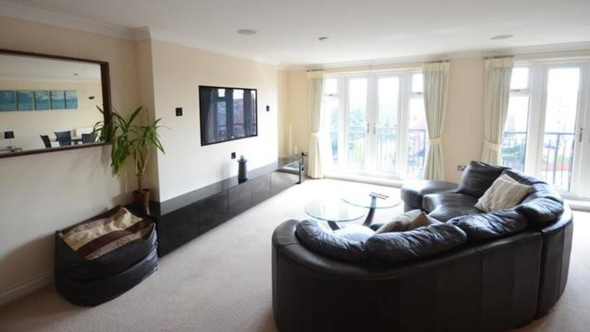 The Savoy Suite - Penthouse 3 bedroom apartment - Reading - Appartement