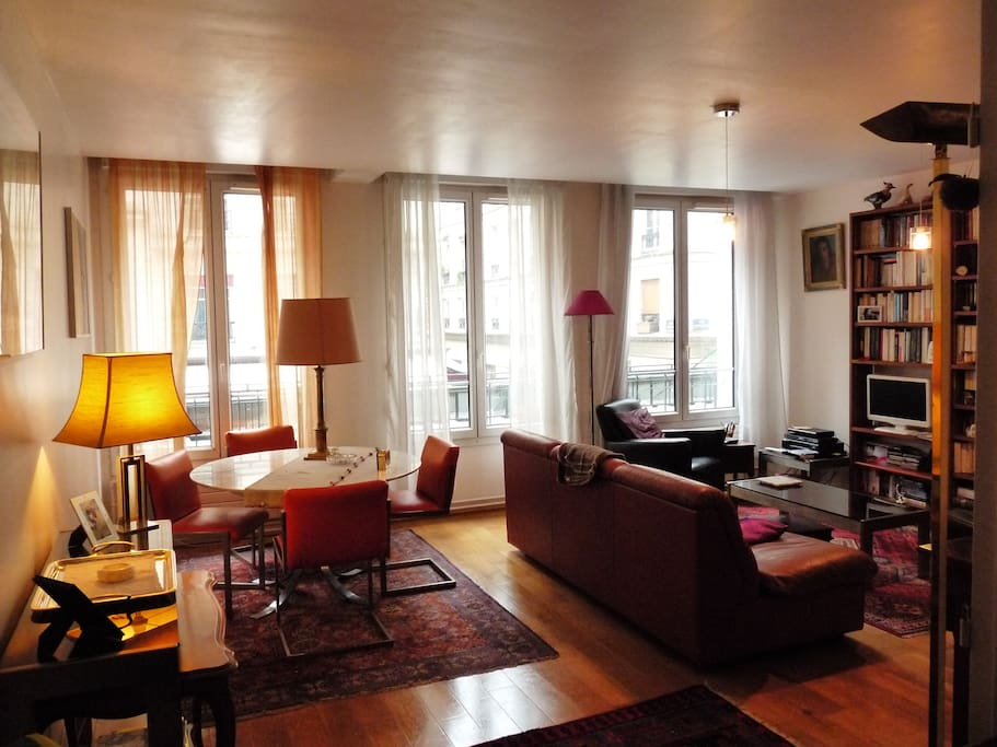 Charmant appartement rue montorgueil 70m2 apartments for for Don de meuble paris