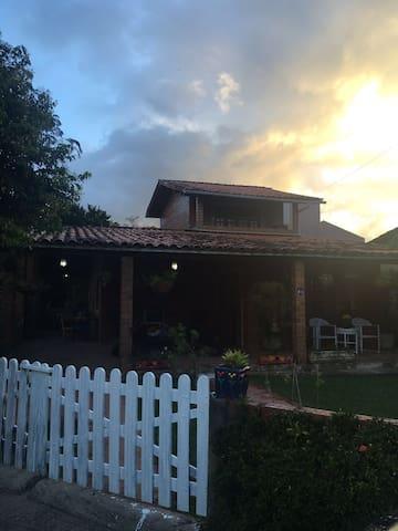 Casa(cond) em Aldeia Km 6 da Estrada de Aldeia
