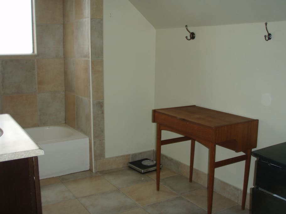 Additional View Upstairs Bathroom