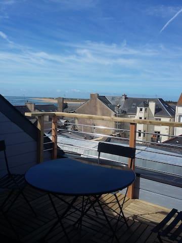 Appart ds ancien cinema avec balcon vue sur mer - Étel - Apartament