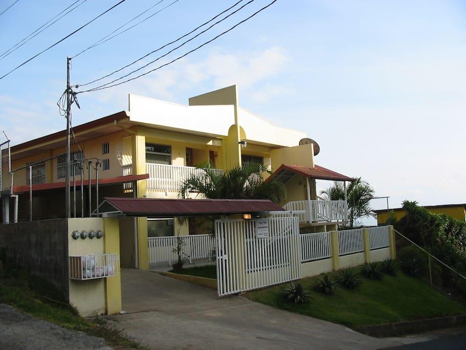 Vista Valle Apartments