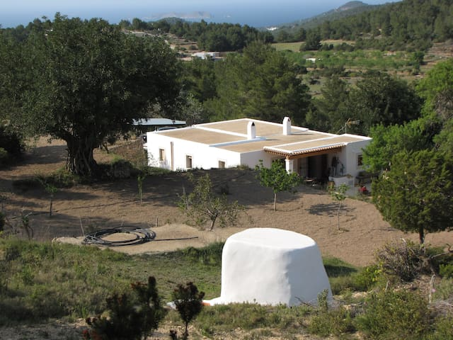 Private country house with view - Ibiza - House