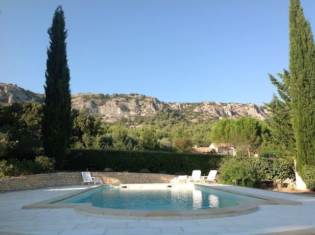 Maison dans le Luberon de 160 M2 avec piscine - Mérindol - House