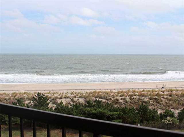 D509: Updated 1BR Sea Colony Oceanfront Condo! Private Beach, Pools, Tennis ...
