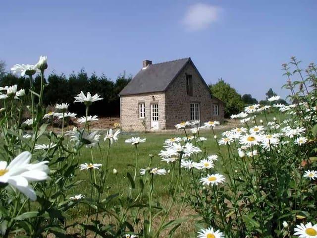 La Maisonnette, Mont St Michel bay - Champcervon - Dům