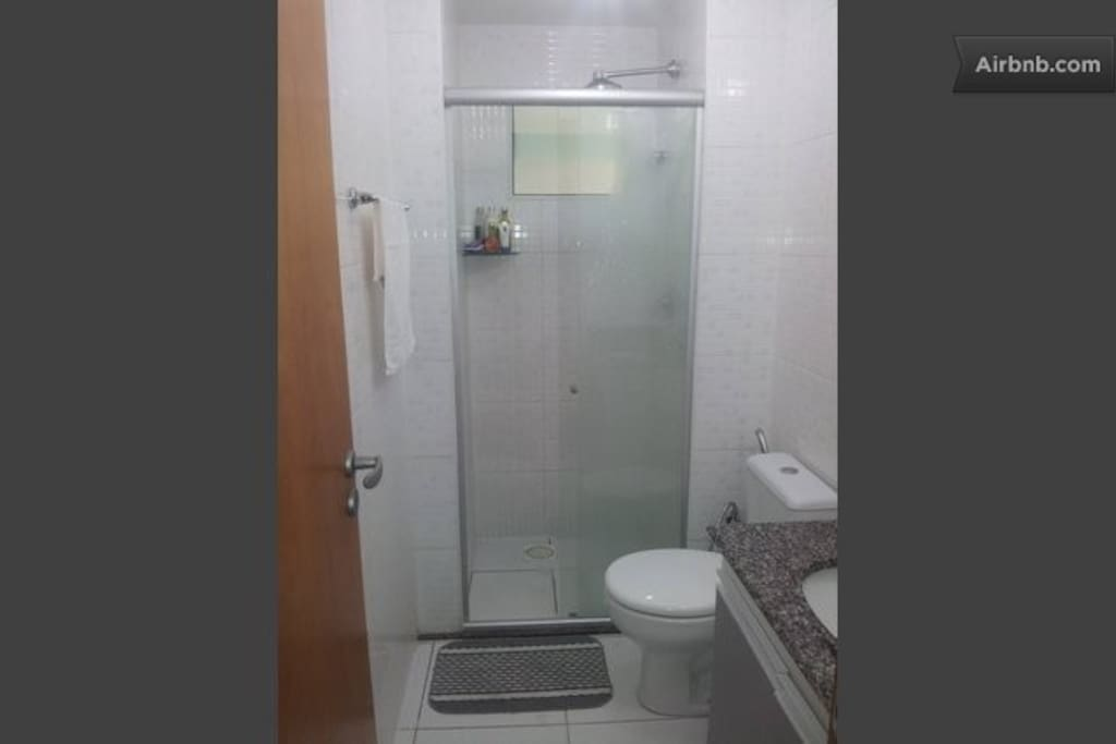 Shared Bathroom with shower gas