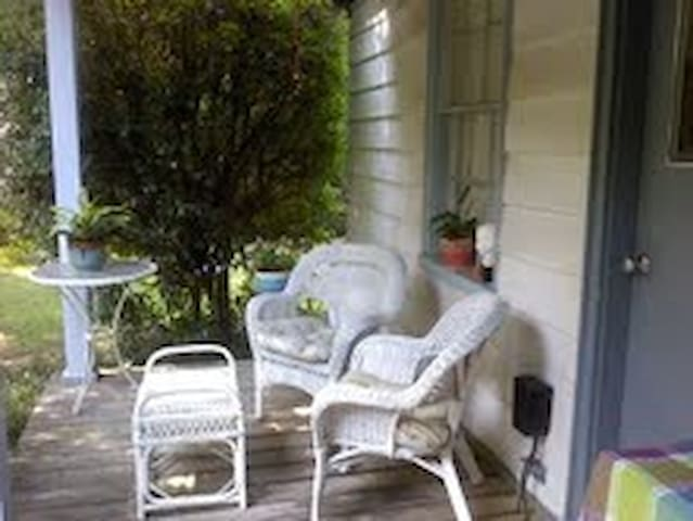 Short term rental Birdsong Cottage - Summerville - House