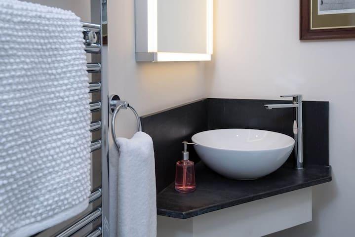 Glamorous shower room