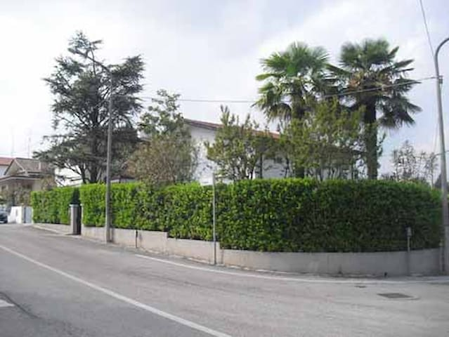 Single house Pordenone near Venice - Pordenone - Villa