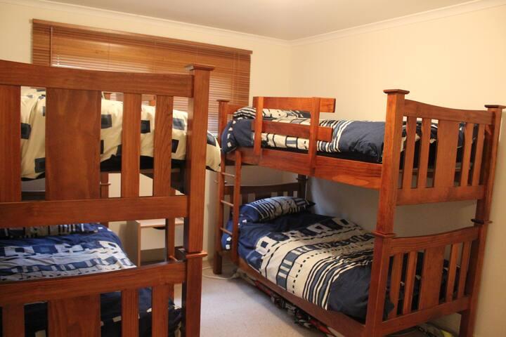 Bunk room- comfortably sleeps 4