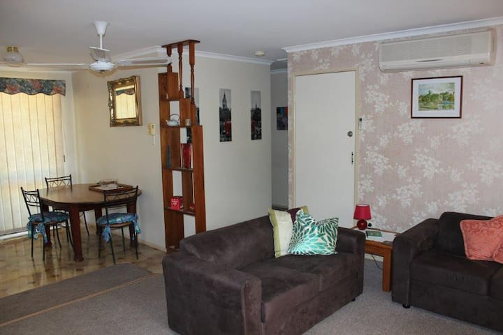 Alanah Lodge Serviced Apartment
