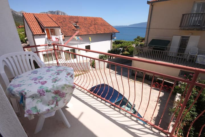 Studio flat with balcony and sea view Podaca, Makarska (AS-6745-e)