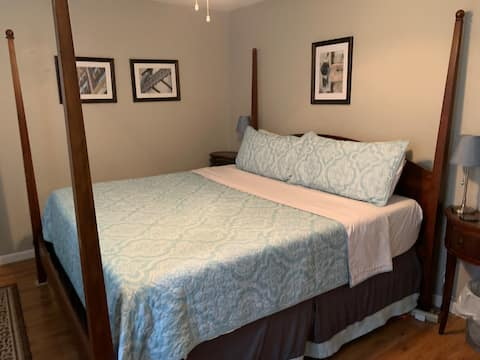 Condo near UAB, 5Points, 1 BR- King bed 2-4 guests