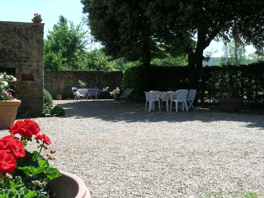 Il casale di leda casa indipendente con giardino case for Piani di casa con guest house indipendente