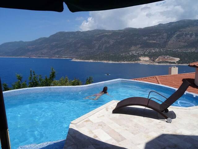 Villa Hans - Luxury Houses with Infinity Pool