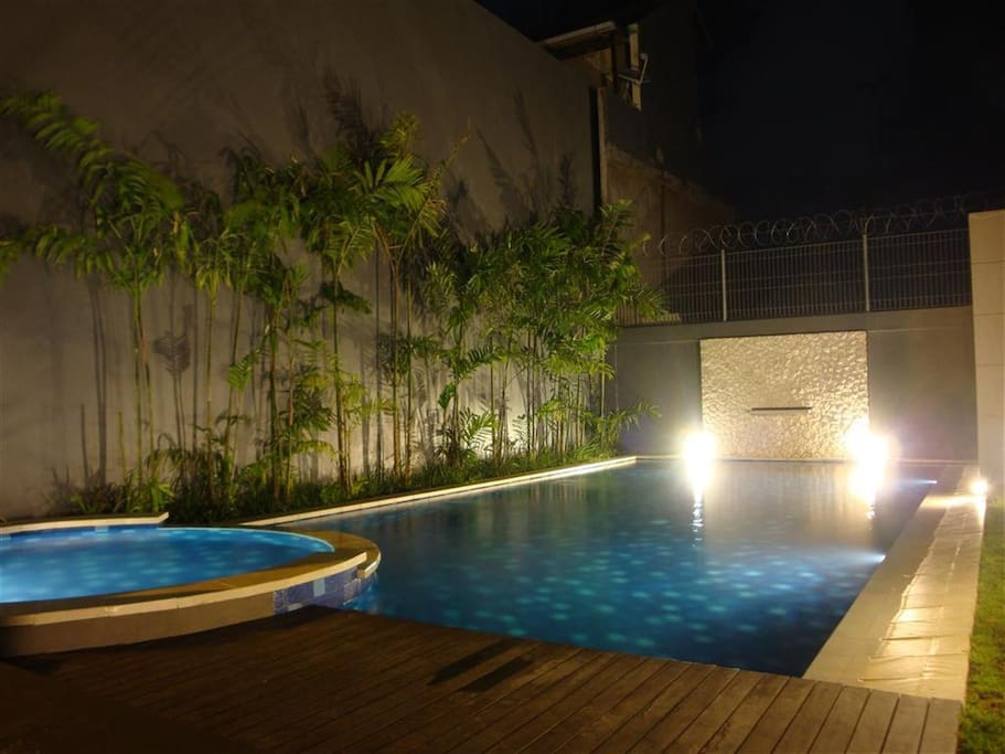 Swimming Pool (shared with other residences of Tropical Sunset Townhouse)