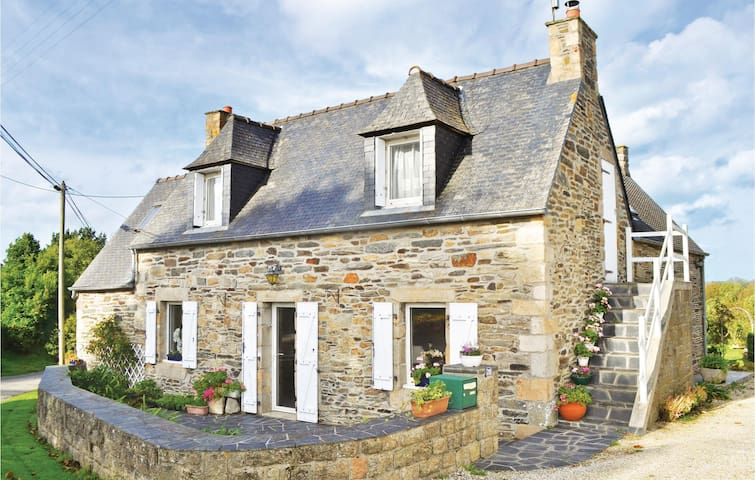 Holiday cottage with 3 bedrooms on 130m² in Morlaix