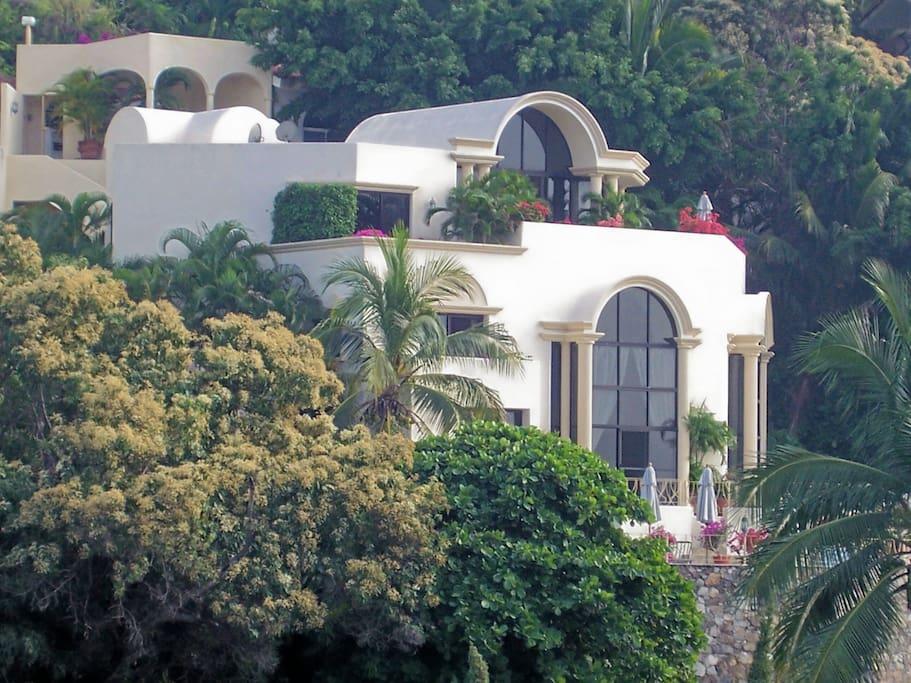 Villa Casa Las Brisas, a dream vacation home for you!