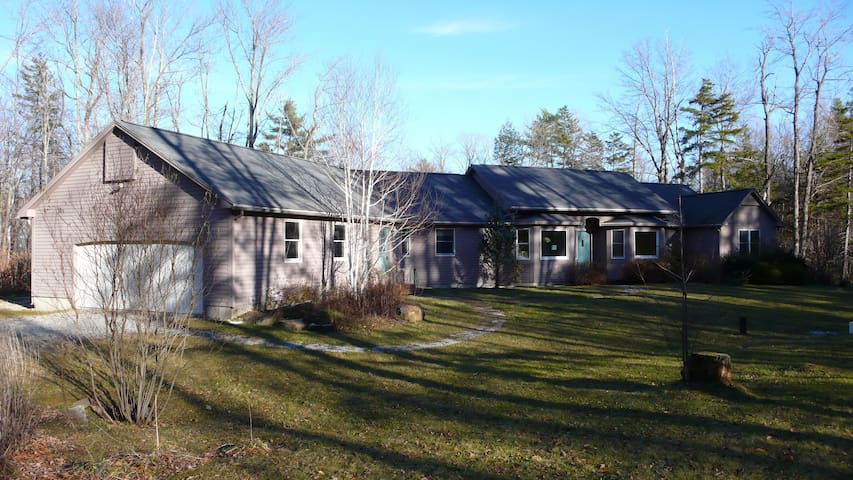 Escape To The Berkshires! - Becket - Hus
