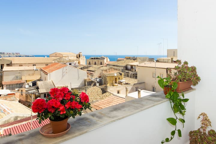 Amazing SEAVIEW Ortigia w/ WIFI - Syracuse - Apartment