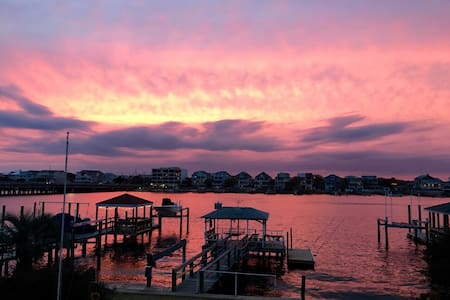 Vintage Cottage with Great View - Wrightsville Beach - Apartment