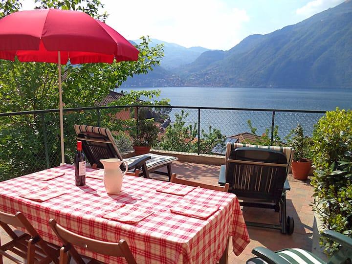 Charming, romantic house near Bellagio, Lake Como