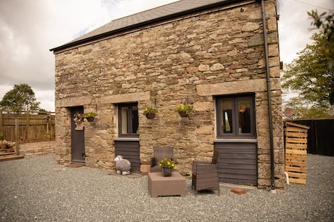 Cornish Stone Barn Conversion, Countryside Retreat