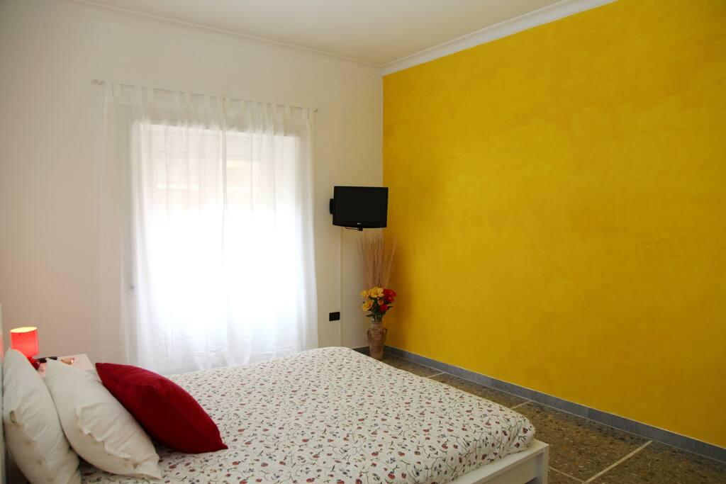 Main Bedroom (flat TV)