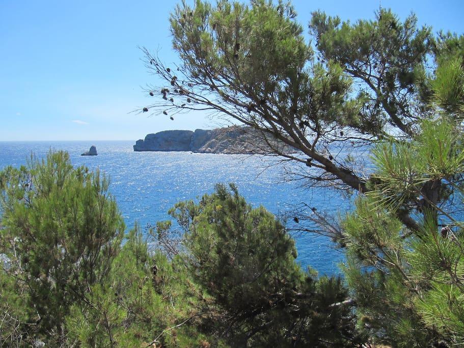 prise de vue des calanques d'Estartit sur les Iles du Medes