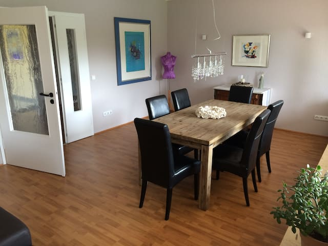 Large apartment to enjoy your stay - Cologne - Apartmen