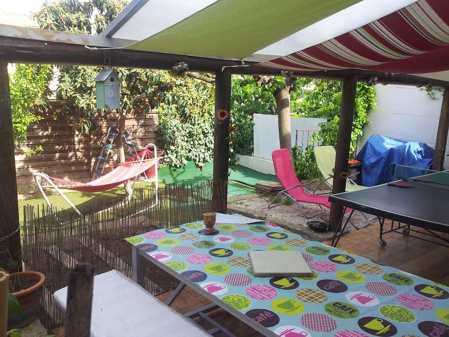 Charmante maison avec jardin maisons louer - Maison jardin condominium montpellier ...
