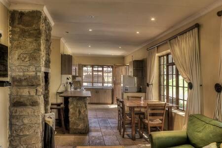 Hamperdown cottage