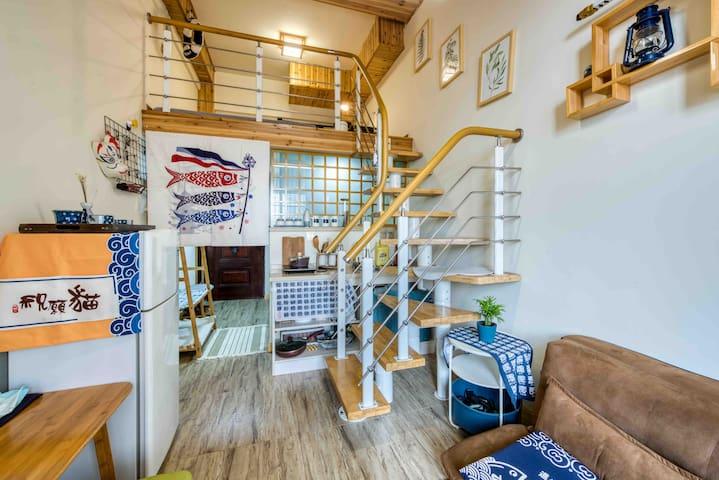 日式清新loft阁楼两层复式公寓  露台院子地铁口商圈附近交通便利进超市商场书桌榻榻米地毯智能门锁