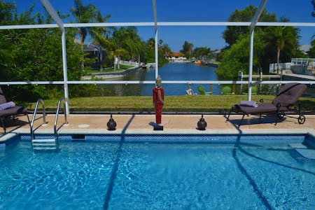 Luxury villa with dock & waterwiev - Cape Coral - Villa