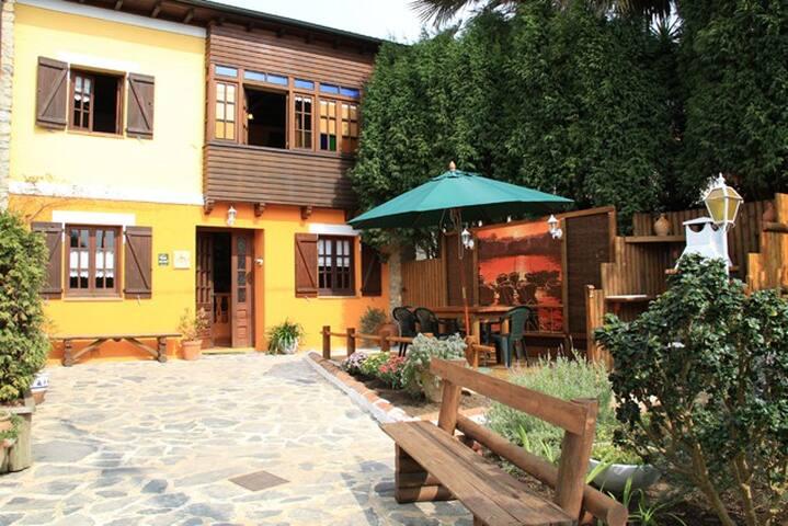 Pradina II Cottage