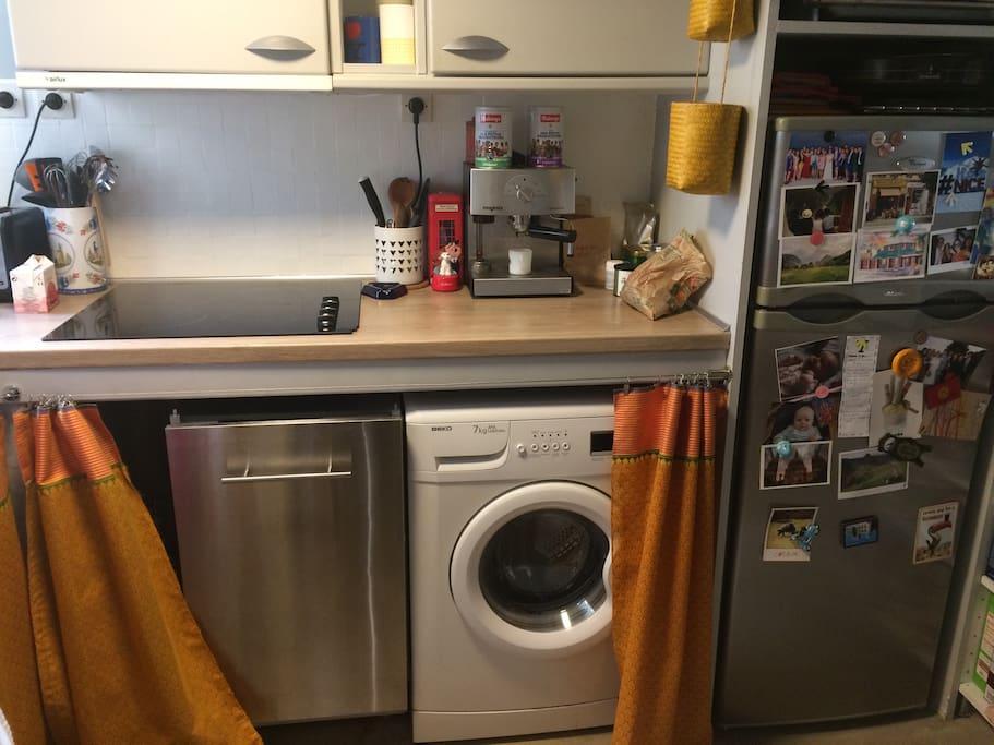 Cuisine équipée : lave vaisselle et lave linge/Fully equiped kitchen: dishwasher and washing machine