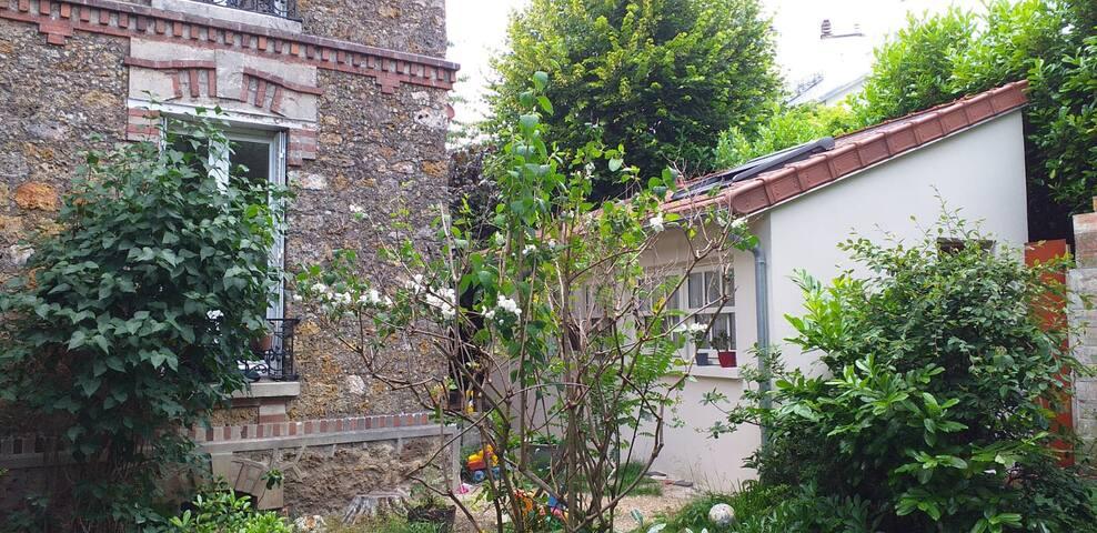 Maisonnette neuve et lumineuse sur jardin, Sceaux
