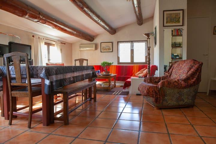Gd appartement calme et indépendant 1er etg villa