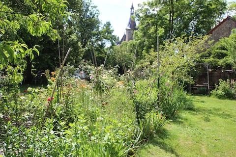 Suite dans le jardin du Château