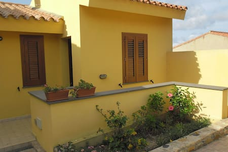 Comfortable apartment near the beach with balcony - Funtana Meiga